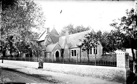 Summertown school photographed by henry taunt